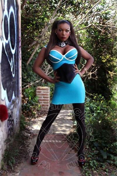 Annunci Germania - trans Naomi Black Hammer Pornostar 0049