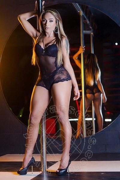 Amanda Freitas  TORRE DEL LAGO PUCCINI 338 2355112