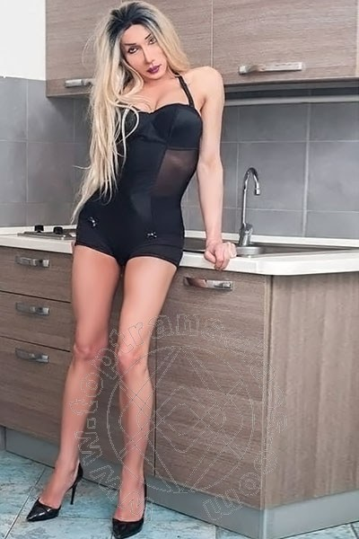 Miss Mary Ferrari  LA SPEZIA 349 6641332